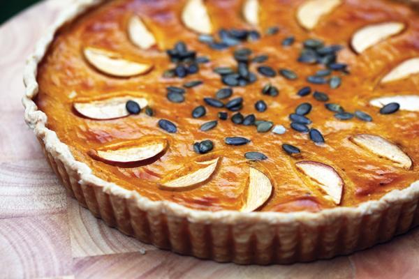 This gorgeous spicy pumpkin pie makes a tasty autumnal treat.