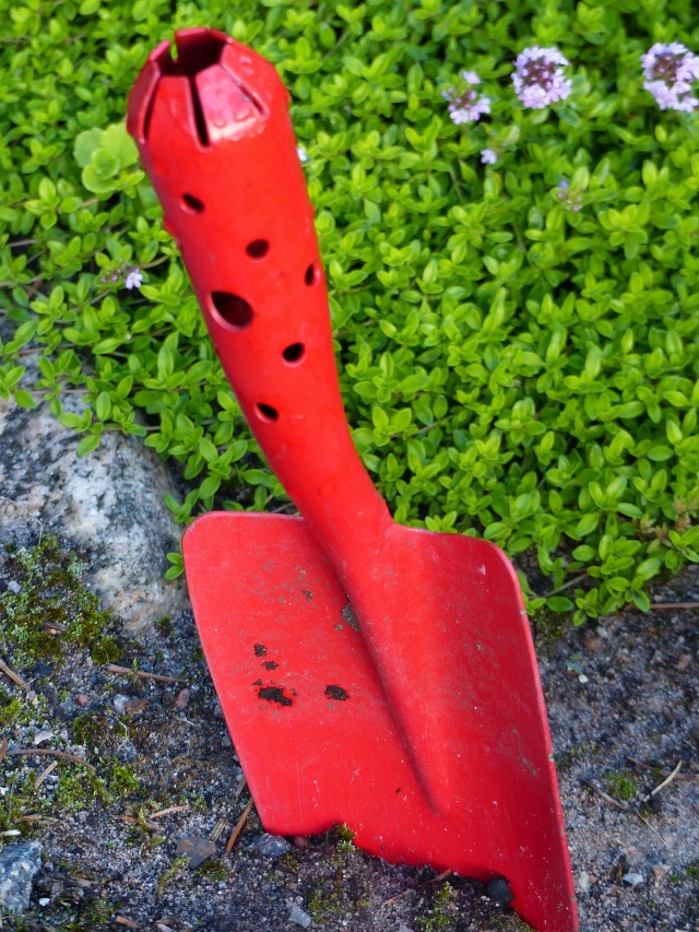 garden-spade-1510736_1920
