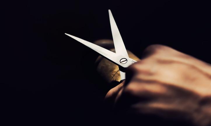 scissor-1794088_1920